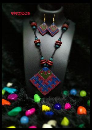 Handmade Necklace Set 02
