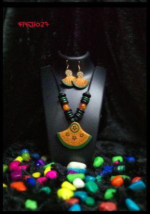 Handmade Necklace Set 03