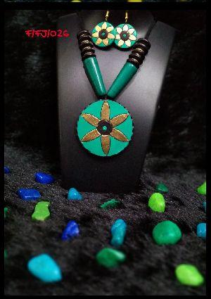 Handmade Necklace Set 04