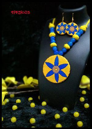 Handmade Necklace Set 05