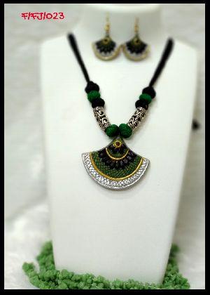 Handmade Necklace Set 07