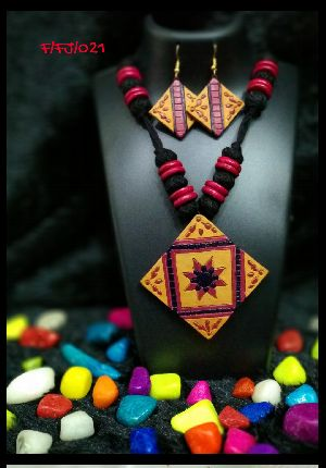 Handmade Necklace Set 09