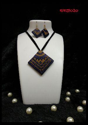 Handmade Necklace Set 10