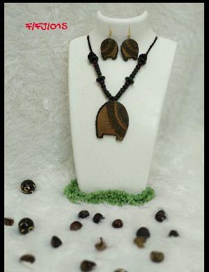 Handmade Necklace Set 14