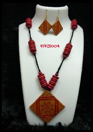 Handmade Necklace Set 26