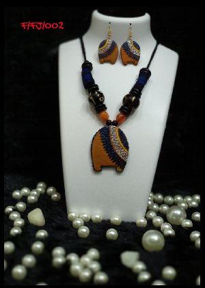 Handmade Necklace Set 28