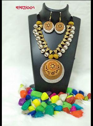 Handmade Necklace Set 29