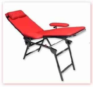 BLOOD DONATION CHAIR CUM BED PORTABLE
