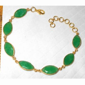 Green Corundum Gemstone Lobster Lock Bracelet