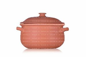 CLAY BEAN POT WITH LID (BEIGE COLOR) 8 INCHES