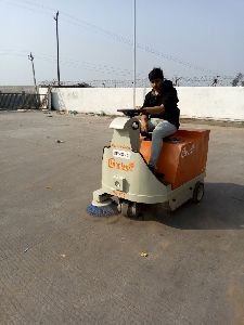 Battery Operated Sweeper for Parking Area