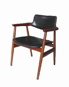 ARMC01-SOLID WOOD ARM CHAIR
