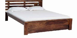 BED06-WOODEN QUEEN SIZE BED