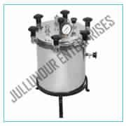 AUTOCLAVE PORTABLE ALUM INIUM WING NUT TYPE (STERILIZER DRESSING PRESSURE TYPE)