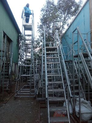 Double Mast Aerial Work Platforms 11
