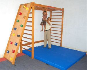 Wooden IMI-1887 Activity Fun Gym
