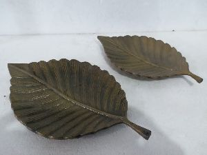 Decorative Leaf Shaped Bowl