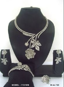 Modern Diamond Jewellery Set