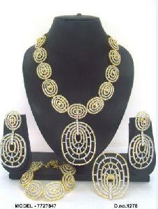 Oval Pendant American Diamond Jewellery Set