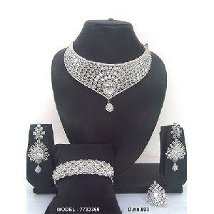 Party Wear Diamond Jewellery Set
