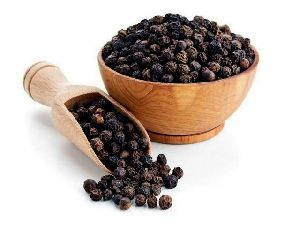 Raw Black Pepper Seeds