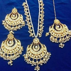 Artificial Bridal Necklace Set