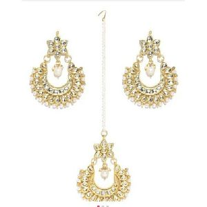 Kundan Earrings Maang Tikka Set
