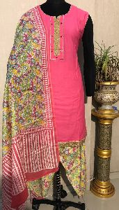 Ladies Pink Salwar Suit (D. No. 2418)