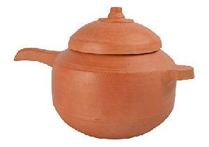 Clay Cooker