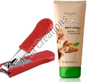 Oriflame Sweden Love Nature Body Lotion with Nourishing Almond Oil with Nail Cutter Combo