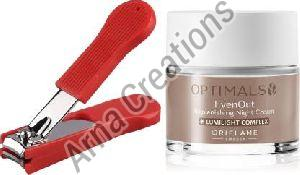 Oriflame Sweden Optimals Even Out Night Cream with Nail Cutter Combo
