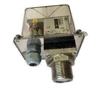 Pressure Switch with Flush Diaphragm