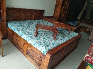 Carving Design Sheesham Wood Double Bed