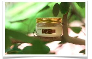 Bhumih Seaweed Algae and Sea Salt Beauty Scrub