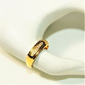 18K AMERICAN DIAMOND GOLD RING