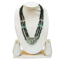 beaded jewelries necklace