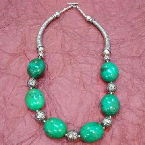 TURQUOISE BEADS ANTIQUE LOOK NECKLACE