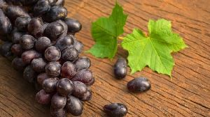 Fresh Pure Black Grapes