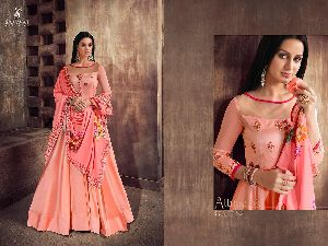 39002 Heavy Tapeta Sarteen and Silk Long Suit