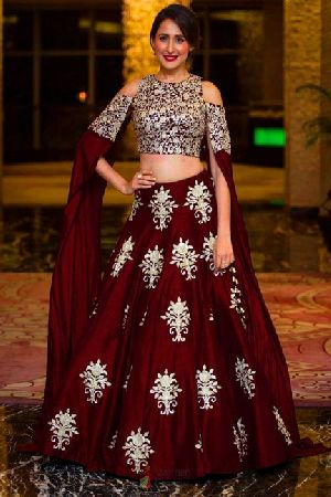 Heavy Work Tapeta Silk Lehenga Choli 02