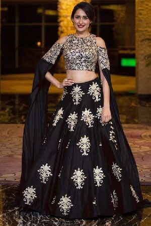Heavy Work Tapeta Silk Lehenga Choli 03