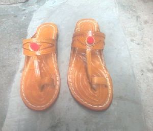 Ladies Kolhapuri Slipper
