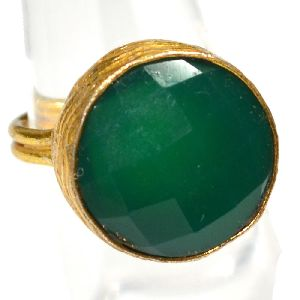 Green Onyx Round Shape Gold Plated Bezel Gemstone Ring