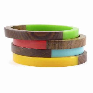 RESIN COLORED BANGLES SET