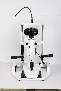 Slit Lamp with two step magnification Haag-Streit type