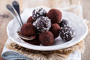 Homemade Dates Chocolate