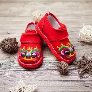 Embroidered Kids Footwear -1