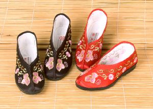 Embroidered Kids Footwear -2