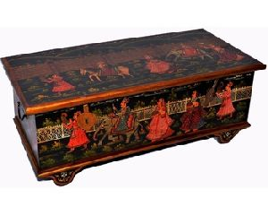 Traditional Style Heritage Painted Wheel Chest Box