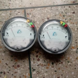 Aerosense Model ASG-20 Differential Pressure Gauge Range 0-20 Inch WC